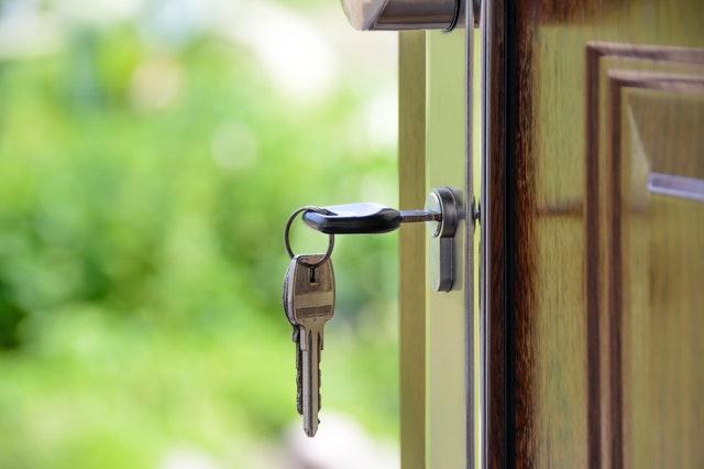 איך עוברים דירה ושומרים על הזוגיות